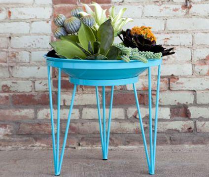 Mesa com flores para deixar sua casa linda